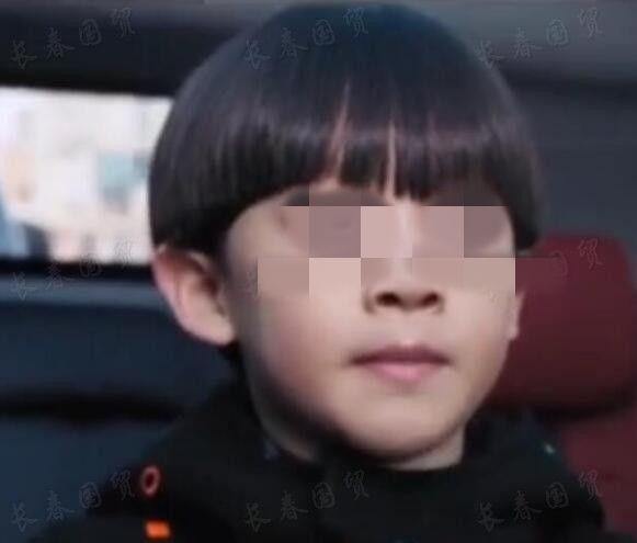 赵本山8岁外孙正脸照曝光 古怪精灵颇具外公的风采