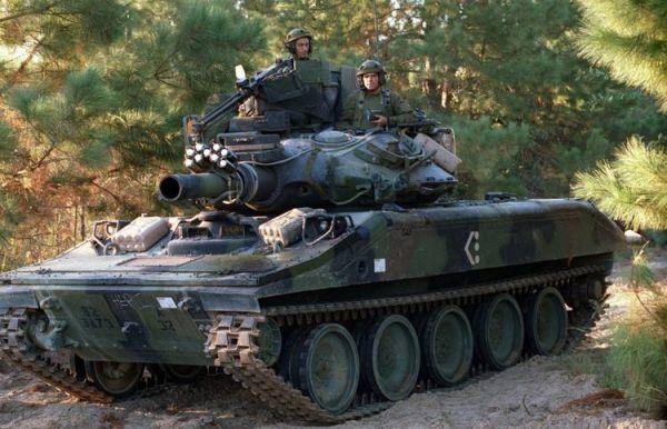 军事枪械--美军欲研新型轻坦填补战力 性能或不及中俄