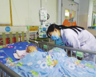一岁多男婴误食成人减肥药 意识模糊急需救助