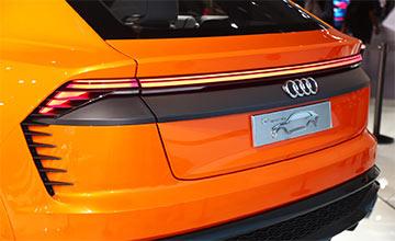 奥迪首款全尺寸SUV性能无敌 车宽超2米/加速仅4.7秒