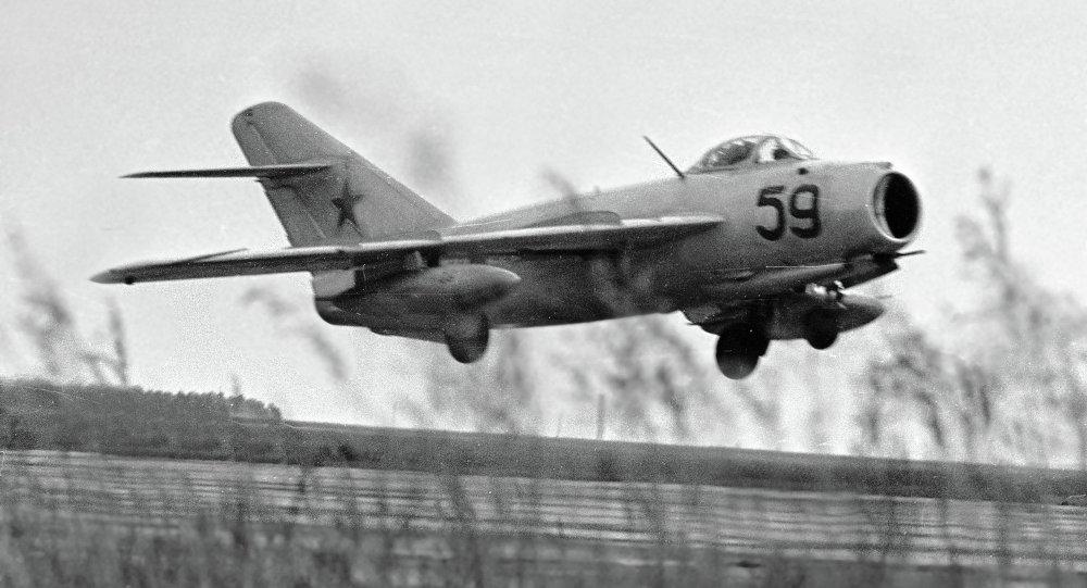 """肯尼迪档案披露美国""""苦肉计"""":买苏联飞机佯攻自己"""