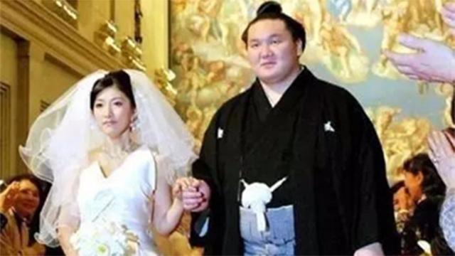 为什么日本美女宁可不结婚也要嫁给相扑选手?原因你绝对想不到