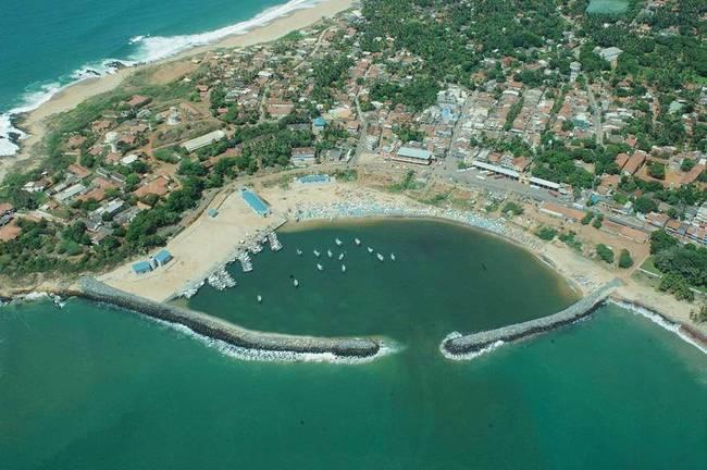 斯里兰卡将汉班托塔港经营权移交中国 (图)