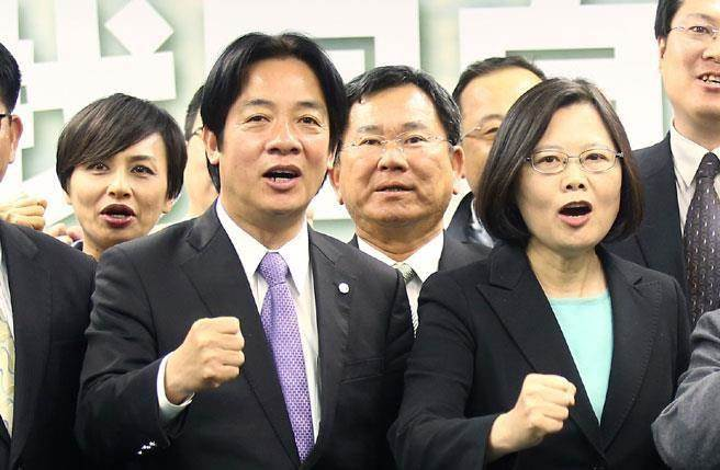 台学者:蔡英文两字之差 让台湾一年损失550亿(图)