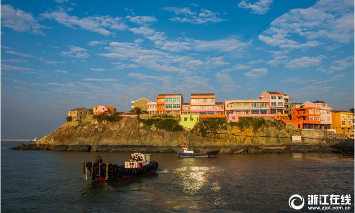 为美化小箬村坏境,推进石塘半岛旅游建设,温岭计划通过粉刷改造民居