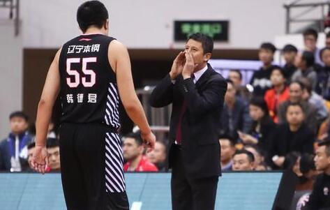 郭士强回避评论犯规过多 防守好失利只因篮板不如人