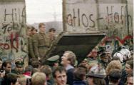 冷战结束26年后反噬欧美