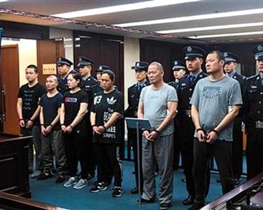 新中国成立以来最大盗版案:团伙盗版328万册儿童读物