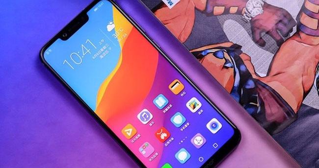 这手机拳打iPhoneX暴揍小米8 吓人的技术国产的骄傲