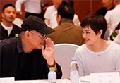 """""""孙俪与54岁李连杰热聊""""title=孙俪与54岁李连杰热聊""""/"""