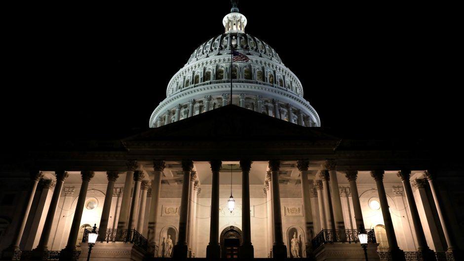 一图看懂:美政府关闭哪些人休假 哪些需上班