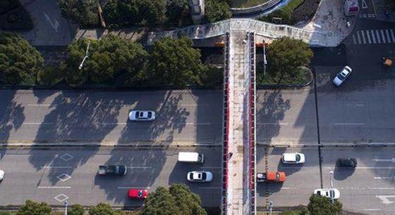 刚刚,台州市开发区这座人行天桥建成投用!
