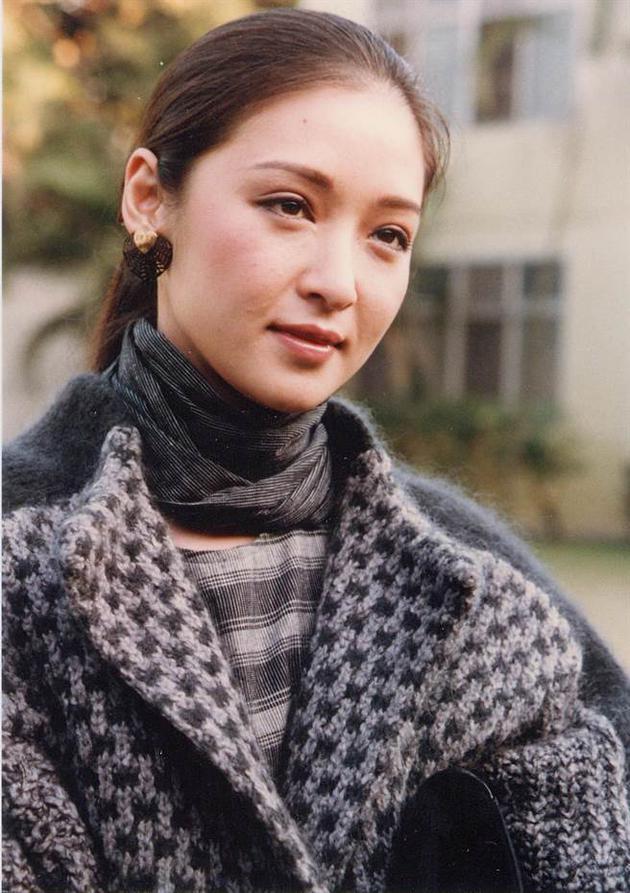 台女星谁能超越林青霞美貌?网友们都说是她…
