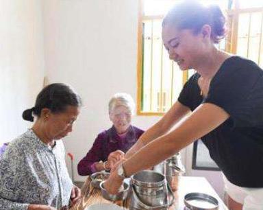 九部门:推进建立农村留守老年人定期探访制度