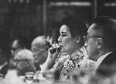 宋美龄美丽聪明 唯有一个不良习惯令蒋介石大发
