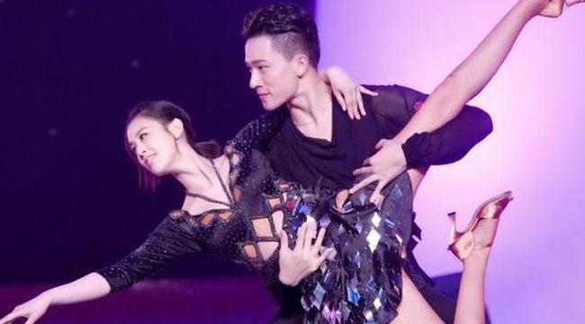 黄圣依和男舞伴贴面热舞 高难度动作惊呆网友