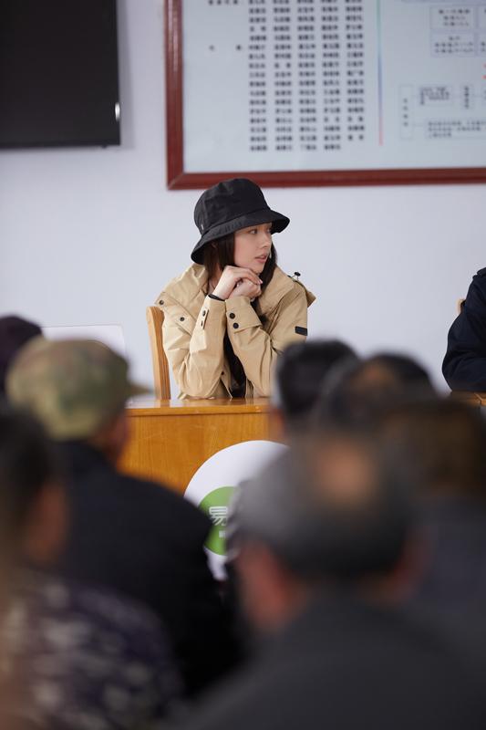 《我们在行动》助力村落脱贫 东方卫视传达精神
