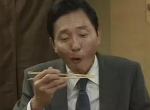 [TV哔]第一集飙到9.6分 最会吃的男人回来了