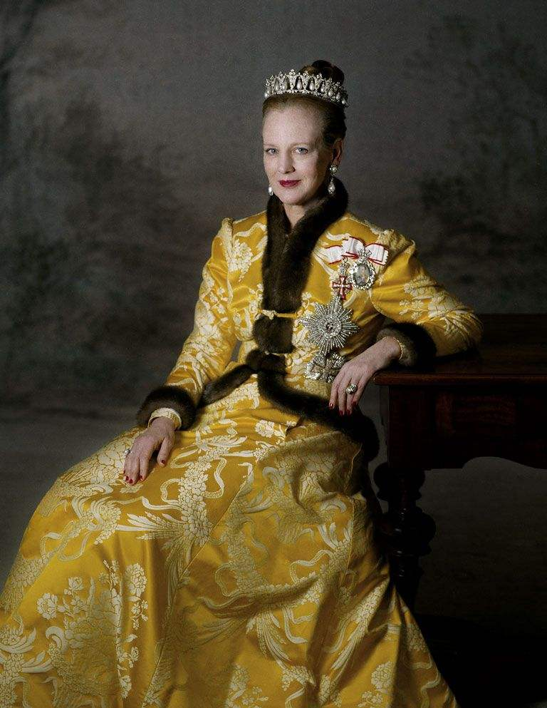欧洲王室最著名的7枚订婚戒指 英国女王的竟然最便宜