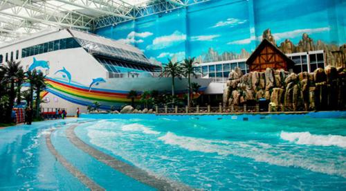 凤观青岛  万达水乐园建于青岛东方影都万达茂内,是山东最大的室内水