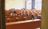 38岁硕士老板专偷大学教室:不差钱就是图个刺激