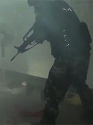 广西男子与警察枪战现场