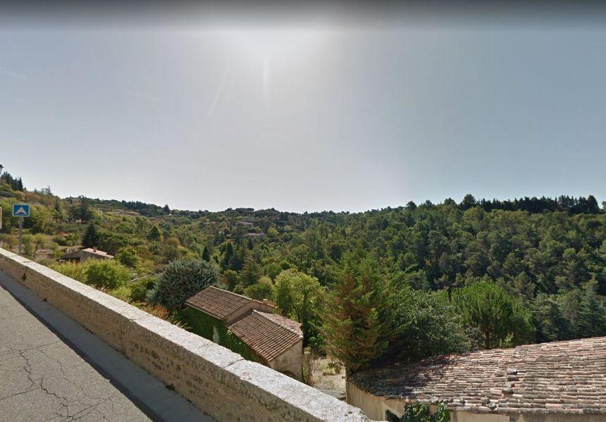 57岁中国男子在法国跌落楼梯 当场身亡
