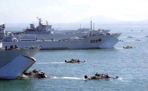 军机处第168期 回顾台海危机 为什么不先拿下周边岛屿?