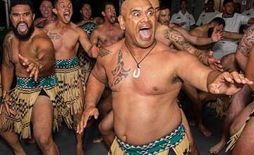 """环太平洋军演各国搞联谊 新西兰海军跳毛利战舞"""" width="""