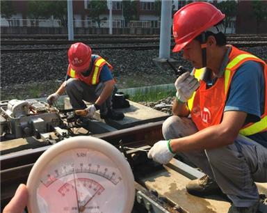夏日民生丨杭州户外工种全面备战高温 供水供电平稳