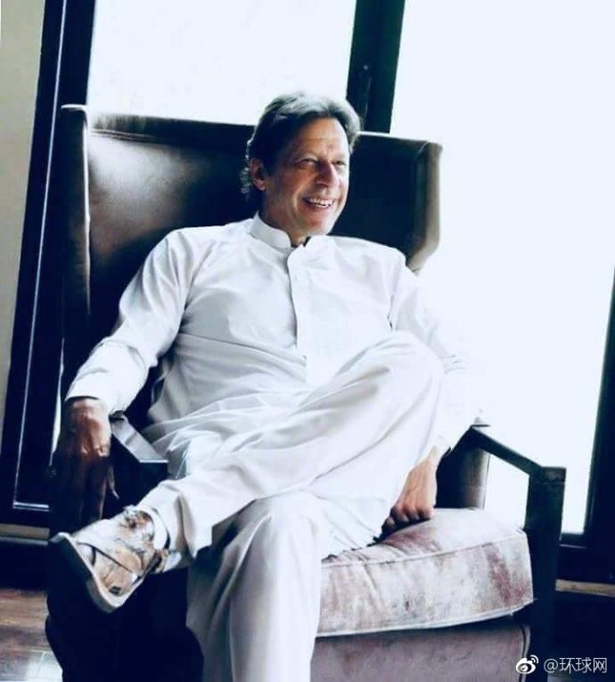 巴基斯坦前板球明星伊姆兰·汗宣布赢得大选