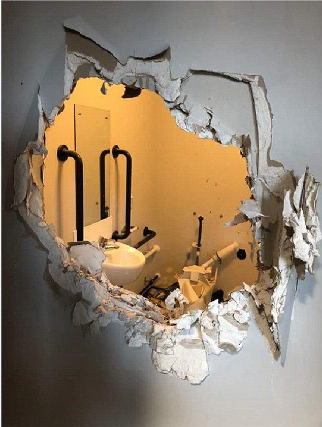 英国队长?英陆军上尉被扒光关厕所 徒手拆墙