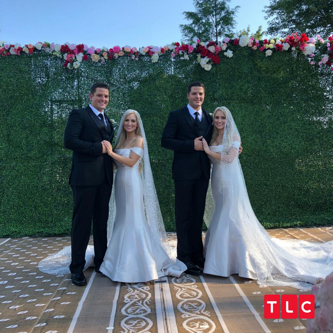 双胞胎兄弟娶了双胞胎姐妹 两对新人同一天结婚