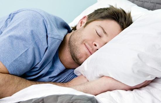 夜阑卧佳室,娓娓入梦来