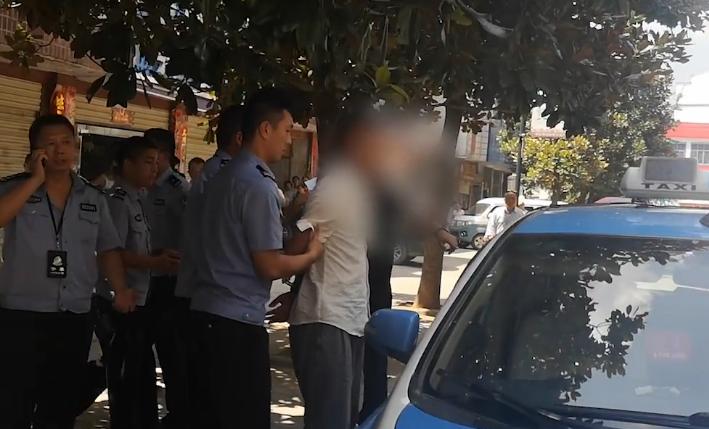 武打演员寻刺激抢出租车称:判五年扛得住