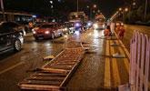 北京一对情侣开车吵架致侧翻:前轮掉落玻璃散一地