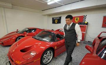 一口气买下12辆法拉利的华裔富豪,第13台竟然被拒