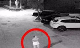 女子深夜被陌生男子尾隨捂嘴 敲開鄰居房門脫險
