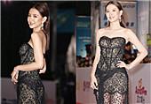 33岁女星穿蕾丝裙惊艳红毯