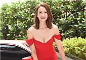 41岁女星红裙亮相状态佳