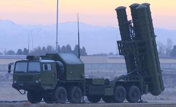 乌兹别克斯坦展示中国FD2000导弹 某国后不后悔?
