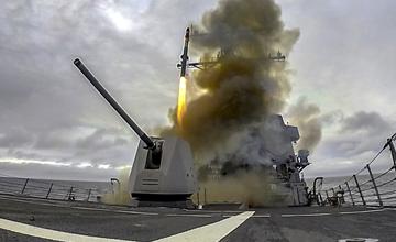 美军战舰罕见垂发一款导弹 中国已有更强同款