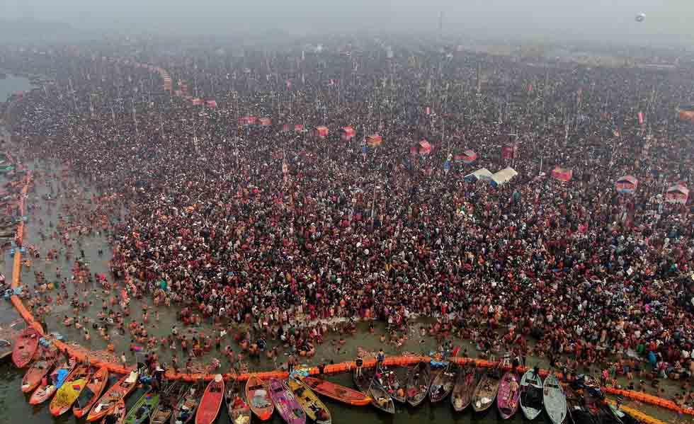 數百萬人在恒河邊沐浴