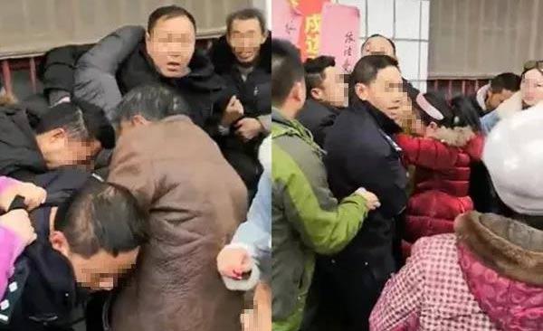 嫌犯20名亲人围攻警察