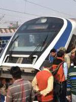 """印度首辆国产高铁刚运营就抛锚""""width=""""190"""""""