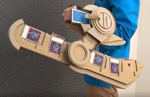 技术宅用硬纸板打造《游戏王GX》决斗盘