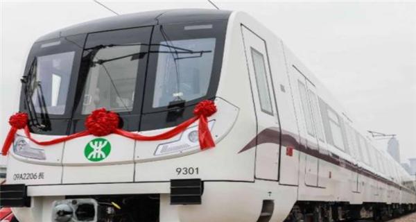 深圳地铁9号线西延线首列车抵深 预计年?#36164;?#36816;营