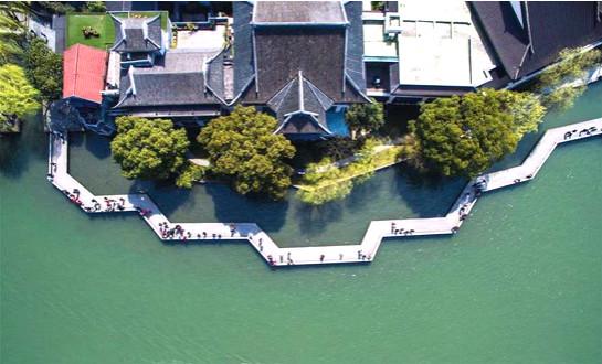 """春日西湖"""" width="""