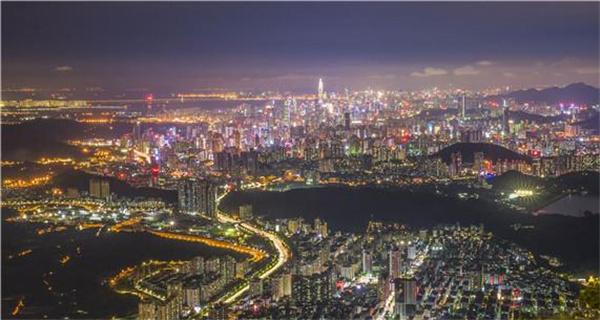 深圳罗湖建区40周年摄影展开幕 市民可免费观展
