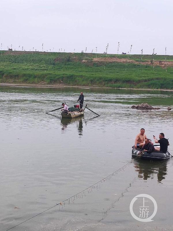 湖北松滋5名初中生下河游泳溺水 1人身亡4人仍在打捞